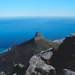 空と海の美しい青が…世界の雄大さを実感した「喜望峰」