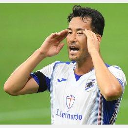 吉田はリーグ再開2試合フル出場だったが…(C)ロイター