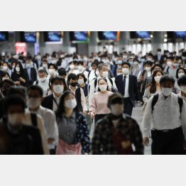 JR品川駅の朝の通勤風景(C)日刊ゲンダイ