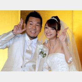 2011年の結婚披露宴(藤本敏史と木下優樹菜)/(C)日刊ゲンダイ