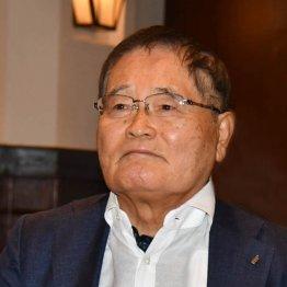 克行被告が亀井静香氏の秘書に300万円 買収対象では最高額