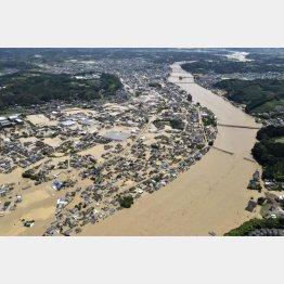 球磨川が氾濫(C)共同通信社