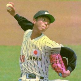 1992年バルセロナ五輪で投球する伊藤智仁