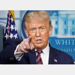 トランプ米大統領は焦りの猛口撃(C)ロイター