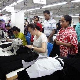 労働者が「働かせて」と…縫製基地バングラデシュの惨状