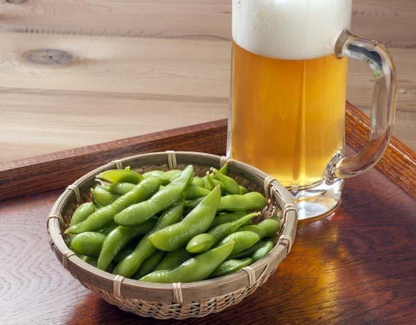 ビールのお供「枝豆」購入額トップは新潟市…では2位は? 日刊ゲンダイDIGITAL