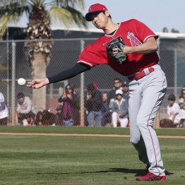 大谷が守備練習解禁 来季は「投手」と「一塁」の新二刀流