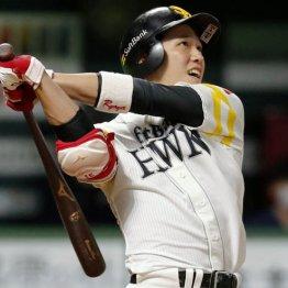 8月28日の日本ハム戦で自身初の2本塁打を記録したソフトバンク・栗原