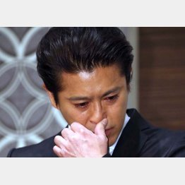 山口達也容疑者(2018年の強制わいせつ容疑で書類送検のときの謝罪会見)/(C)日刊ゲンダイ