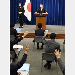 菅首相、就任当日以降は会見なし(C)共同通信社