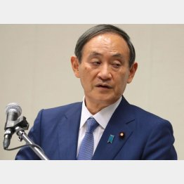 極めて閉鎖的なインタビュー(菅首相)/(C)日刊ゲンダイ