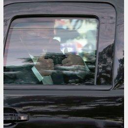 トランプ米大統領の「政治ショー」か、薬の副作用か?(C)ロイター