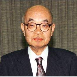 大山康晴十五世名人は66歳でタイトル挑戦(C)共同通信社