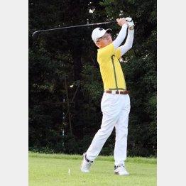 ゴルフのドライバーは220ヤード飛ばす(提供写真)