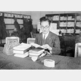 亀井貫一郎は社会民衆党の衆院議員だった(日本電報通信社撮影)