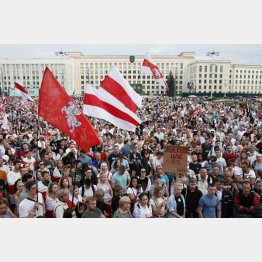 ベラルーシでは、ルカシェンコ大統領の独裁政治へ民衆が大規模抗議(C)タス=共同