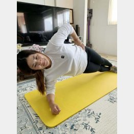 自主隔離期間中は自宅でトレーニング(提供写真)