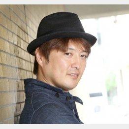 35年前、子役だった純烈のリーダー・酒井一圭くんの手を引き撮影所を歩いた(C)日刊ゲンダイ