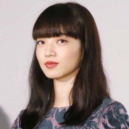 同世代で独走!小松菜奈の魅力は「魔性と素朴」のギャップ