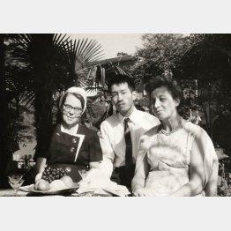 ユーハイムの河本武社長とエリーゼ・ユーハイムさん(左)/(提供写真)