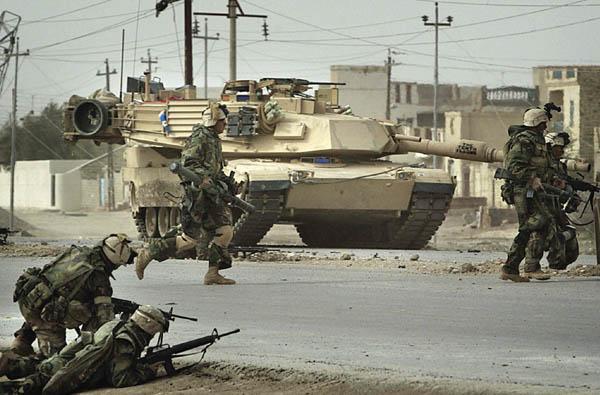 2003年、イラク侵攻は偽情報に踊らされたからだった(イラク戦争)/(C)ロイター=共同