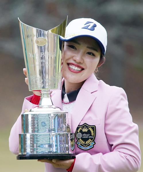 今季2020年3勝目の古江彩佳は12月の全米オープンに出場(C)日刊ゲンダイ