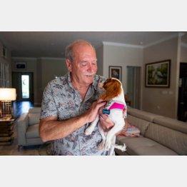 ワニから愛犬・ガナーを助けたリチャード・ウィルバンクさん(C)ロイター