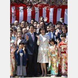 補填費用は900万円超、安倍前首相が知らないなどあり得ない(C)日刊ゲンダイ