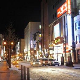 36都道府県が「外出自粛」要請中 危機感薄い政権に見切り