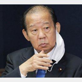 首相よりも重要視されている?自民党の二階幹事長(C)日刊ゲンダイ