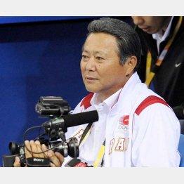 北京五輪(2008年)を観戦する小倉智昭(C)日刊ゲンダイ
