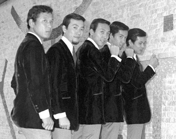 ブルー・コメッツはジャニー氏がフォーリーブスのバックバンドに起用したのをきっかけに人気グループに(昭和42年撮影)/(C)共同通信社