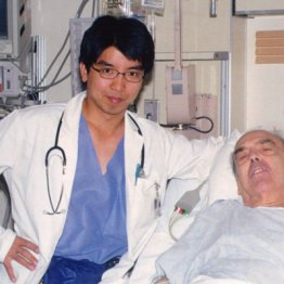 菅首相が公邸に呼んだ医師が話題 コロナ対策持論に弊害も