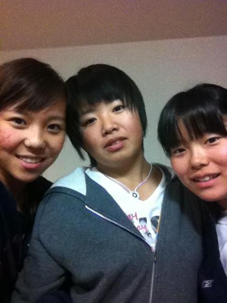 ジュニア時代に一緒に戦った勝みなみ(右)と篠原まりあ(中央)/(提供写真)