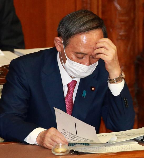 主因は菅首相の新型コロナ対応のまずさ、73%が「指導力発揮していない」/(C)日刊ゲンダイ