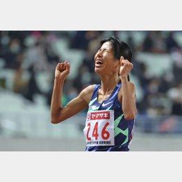 彼女の、この言葉に尽きる(「日本陸上大阪2020」女子1万メートル、日本新記録で優勝した新谷仁美選手=2020年12月)/(C)日刊ゲンダイ