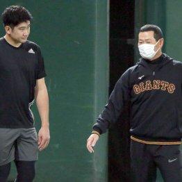 桑田補佐と菅野がベッタリ 絶対エースの傾倒に周囲は不安