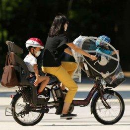 法改正で悩みが増えた母親も…(写真はイメージ)(C)日刊ゲンダイ
