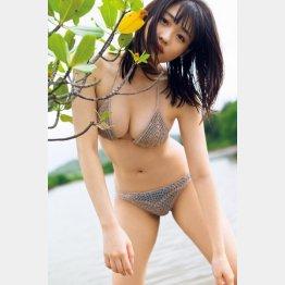 石田桃香ファースト写真集「MOMOKA」(講談社) 撮影/細居幸次郎