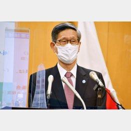 「従来のウイルスから置き換わるプロセスが始まっている」(提言を発表する政府分科会の尾身茂会長)/(C)日刊ゲンダイ