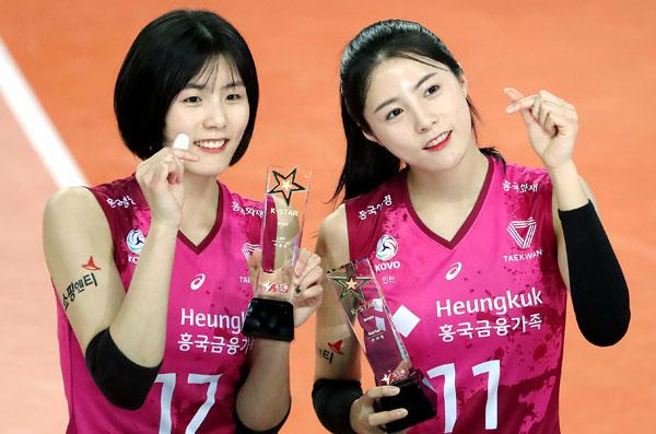 代表落ちした韓国女子バレーの双子姉妹(C)Yonhap News Agency/共同通信イメージズ