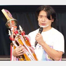 野田クリスタル(C)日刊ゲンダイ