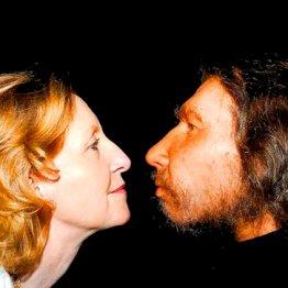 キスの痕跡も…現生人類とネアンデルタール人と性の営み