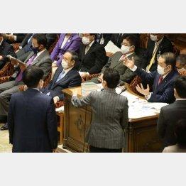 さきの予算委員会では、総務省の接待疑惑で紛糾(C)日刊ゲンダイ