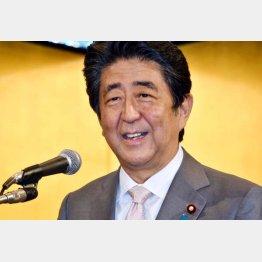 まだやる気、最大派閥の会長で復権狙う(安倍前首相=26日)/(C)日刊ゲンダイ
