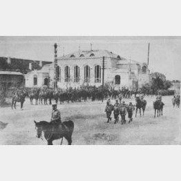 青島を攻囲した日本軍の青島入城(1914年11月16日)/(C)共同通信社
