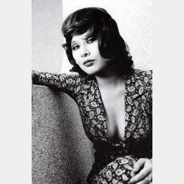 鈴木いづみ(1971年ごろ撮影)「男と女の間には写真機がある」(1978年刊)より(提供写真)