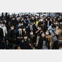日本の接種率は0.87%、気が遠くなる「国家プロジェクト」…(C)日刊ゲンダイ