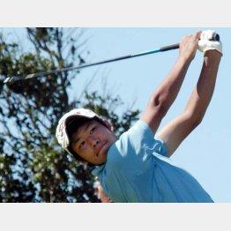 2007年のゴルフ全国高校選手権で4位入賞を果たした明徳義塾高時代の松山(C)高知新聞/共同通信イメージズ
