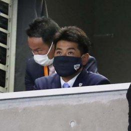 侍J稲葉監督が巨人視察 心配の種は4番候補・岡本の大不振
